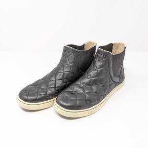 UGG Hollyn Deco Quilt Black Size 8
